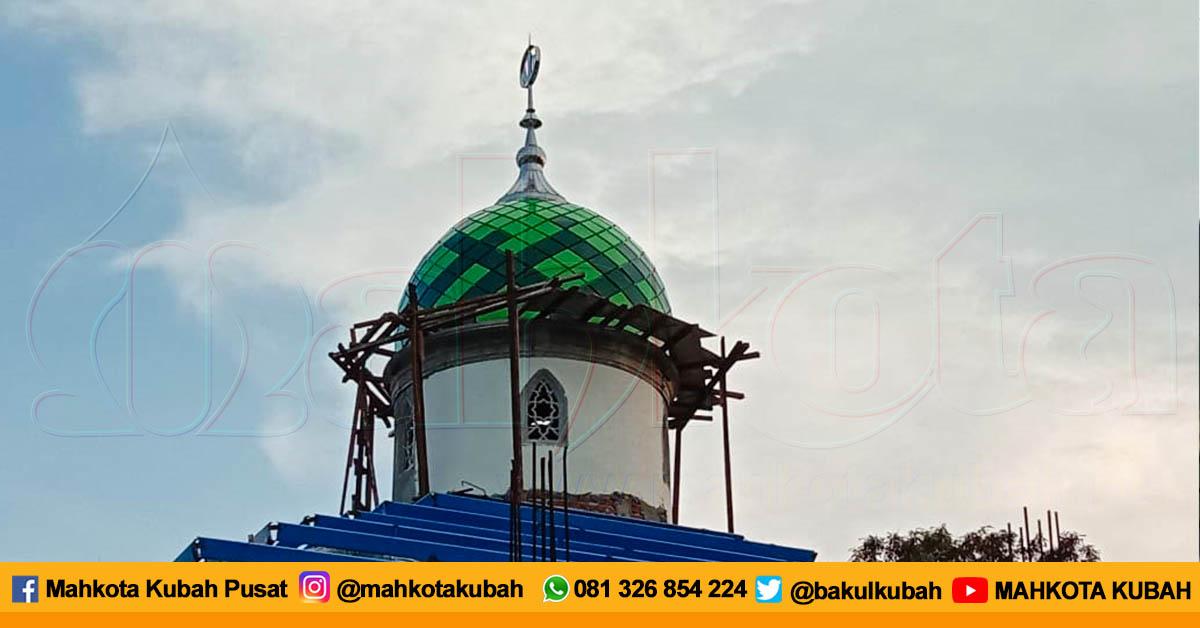 Pemasangan Kubah Enamel Krembangan, Surabaya