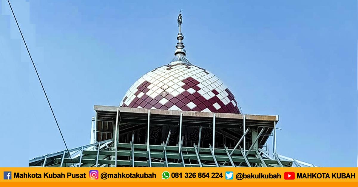 Pemasangan Kubah Masjid Enamel Semarang